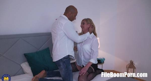 Elizabeth 48 - Anal creampie from a black guy is the fantasy she desires (FullHD/1080p/1.44 GB) Mature.nl
