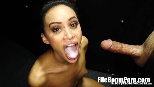 GloryHoleSecrets: Gia - Gia's First Gloryhole Video [FullHD/1080p/2.20 GB]