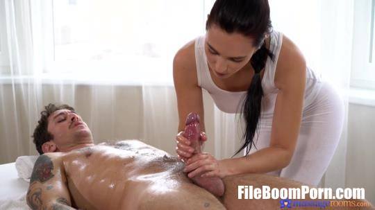 MassageRooms, SexyHub: Leanne Lace - Slender babe gives sensual massage [SD/480p/268 MB]