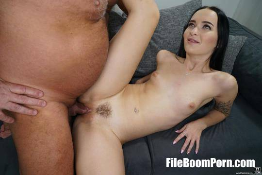 GrandpasFuckTeens, 21Sextreme, 21Sextury: Sasha Sparrow - Dominoes Falling [SD/544p/391 MB]