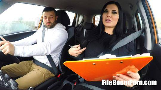 FakeDrivingSchool: Jasmine Jae - Lad Distracted by Pussy on Test [HD/720p/679 MB]