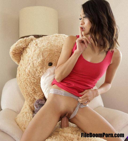 Jasmine Grey - Oh Brother Bear (HD/720p/1016 MB) NubilesNetwork