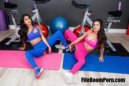 WeLiveTogether, RealityKings: Katana Kombat, Sophia Leone - Dual Dildocycles [FullHD/1080p/2.00 GB]