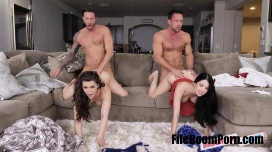 DaughterSwap, TeamSkeet: Alex Coal, Kimber Woods - Flu Shot Floozies [SD/360p/294 MB]