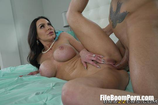 MommyGotBoobs, Brazzers: Kendra Lust - Giving Stepmom What She Wants [HD/720p/716 MB]