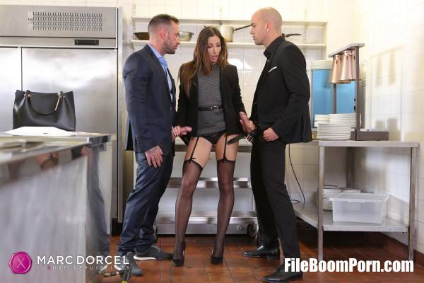 Clea Gaultier - Clea Gaultier will do anything for a contract (FullHD/1080p/594 MB) DorcelClub