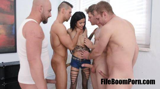 LegalPorno: Sandra Soul, Neeo, Thomas Lee, Angelo, Michael Fly - Dap Destination Sandra Soul gets 4on1 Balls Deep Anal and DP, DAP, Gapes, Swallow GIO [FullHD/1080p/3.91 GB]