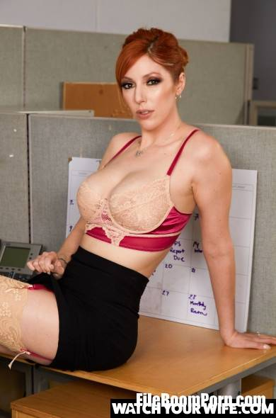 WatchYourWife, NaughtyAmerica: Lauren Phillips - Gives The New Guy Pussy For Lunch [3.03 Gb/FullHD/1080p]