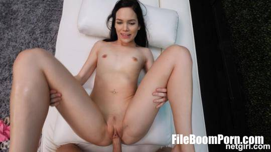NetGirl: Loren - Hardcore with Brunette [HD/720p/1.36 GB]