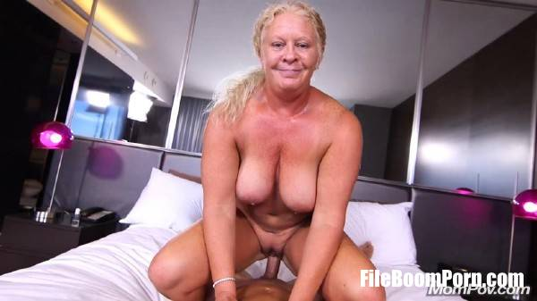 Lila - Curvy All Natural Blonde MILF (SD/404p/806 MB) MomPov