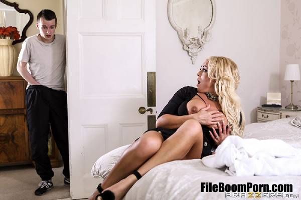 Rebecca Jane Smyth - Turning On His Girlfriend's Mom (FullHD/1080p/1.09 GB) Brazzers