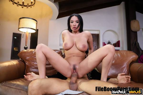 Anissa Kate - Anissa Kate Takes On Her Biggest Cock (SD/480p/286 MB) BangBros