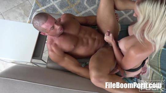 Biguysfuck, Hotguysfuck: Sean Costin, Victoria Hobbs - PEGGING For Sean Costin Compliments Victoria Hobbs Before He Returns The FAVOR. Muscle JOC! [FullHD/1080p/1.17 GB]
