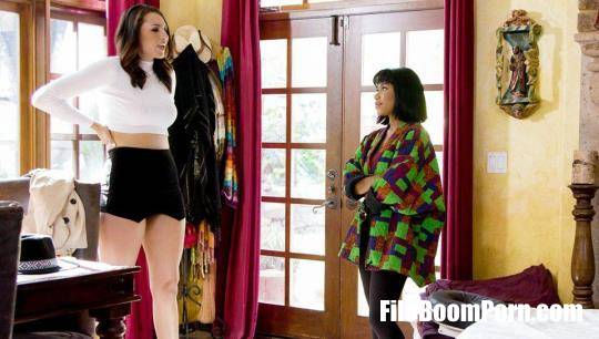 FantasyMassage, AllGirlMassage: Jenna Foxx, Bella Rolland - Small Town Massage [HD/720p/638 MB]