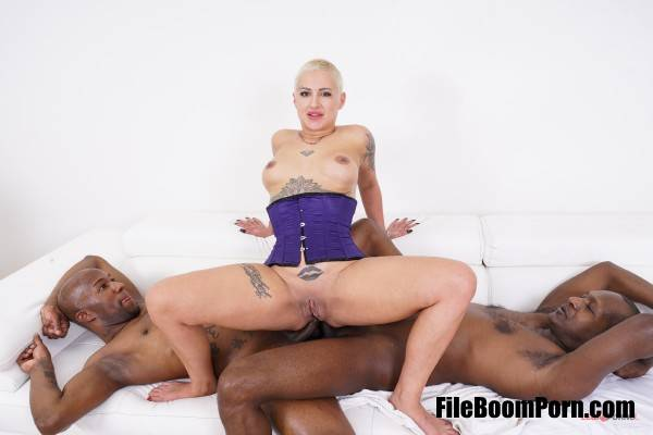 Lolly Glams - Lolly Glams has black feeling and takes two cocks in the ass IV453 (HD/720p/1.08 GB) LegalPorno