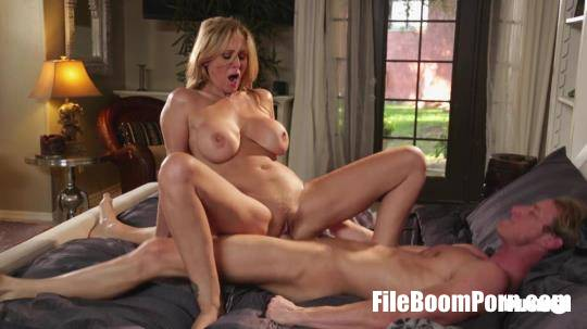 PinkoClub: Julia Ann - I Forgive You [SD/406p/251 MB]
