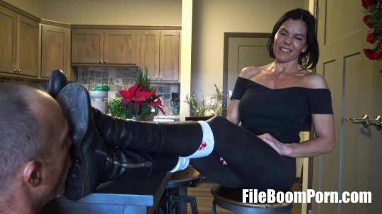 GoddessZephy: Lick The Soles Of My Boots Clean, Loser [FullHD/1080p/451.78 MB]