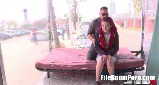 BoxTruckSex: Mia Navaro - Public Sex [HD/720p/1.38 GB]