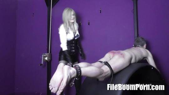 DominaScarlet: Punished By My Severe Strap [FullHD/1080p/468.47 MB]
