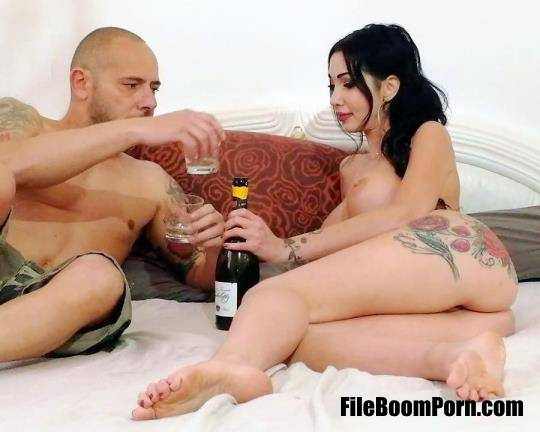 Laura Fiorentino - Crazy End Of A Fucking Quarantine, With Marco Nero And Laura Fiorentino Anal, Pee Drink, DP, DAP, Creampie And Facial GL142 [SD/480p/1.02 GB] LegalPorno