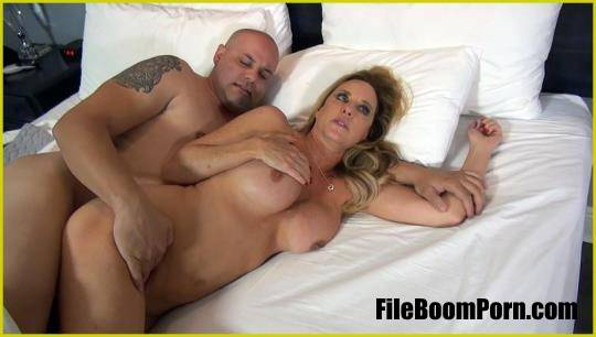 Jodi West - Sharing A Hotel Room With My Stepson [FullHD/1080p/562 MB] Manyvids