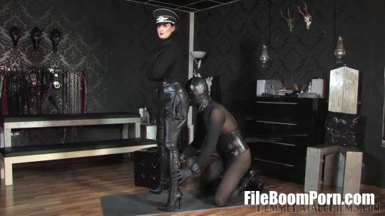 FemmeFataleFilms: Lady Victoria Valente - Cum On My Boots - Complete Film [FullHD/1080p/334.77 MB]